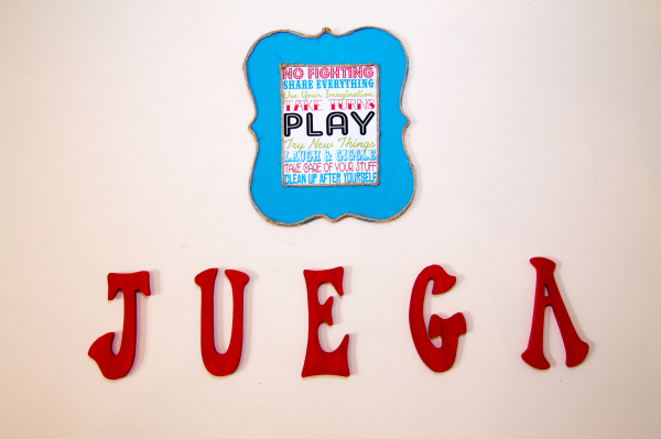 Spanish juega (play)